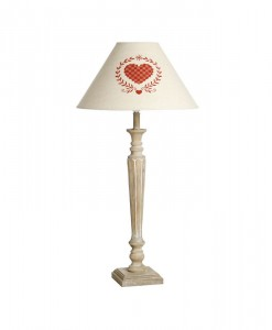 country-style-heart-lamp
